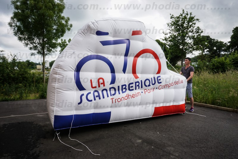 velo-gonflable-geant